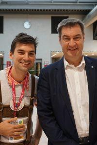 Max mit Ministerpräsident Söder